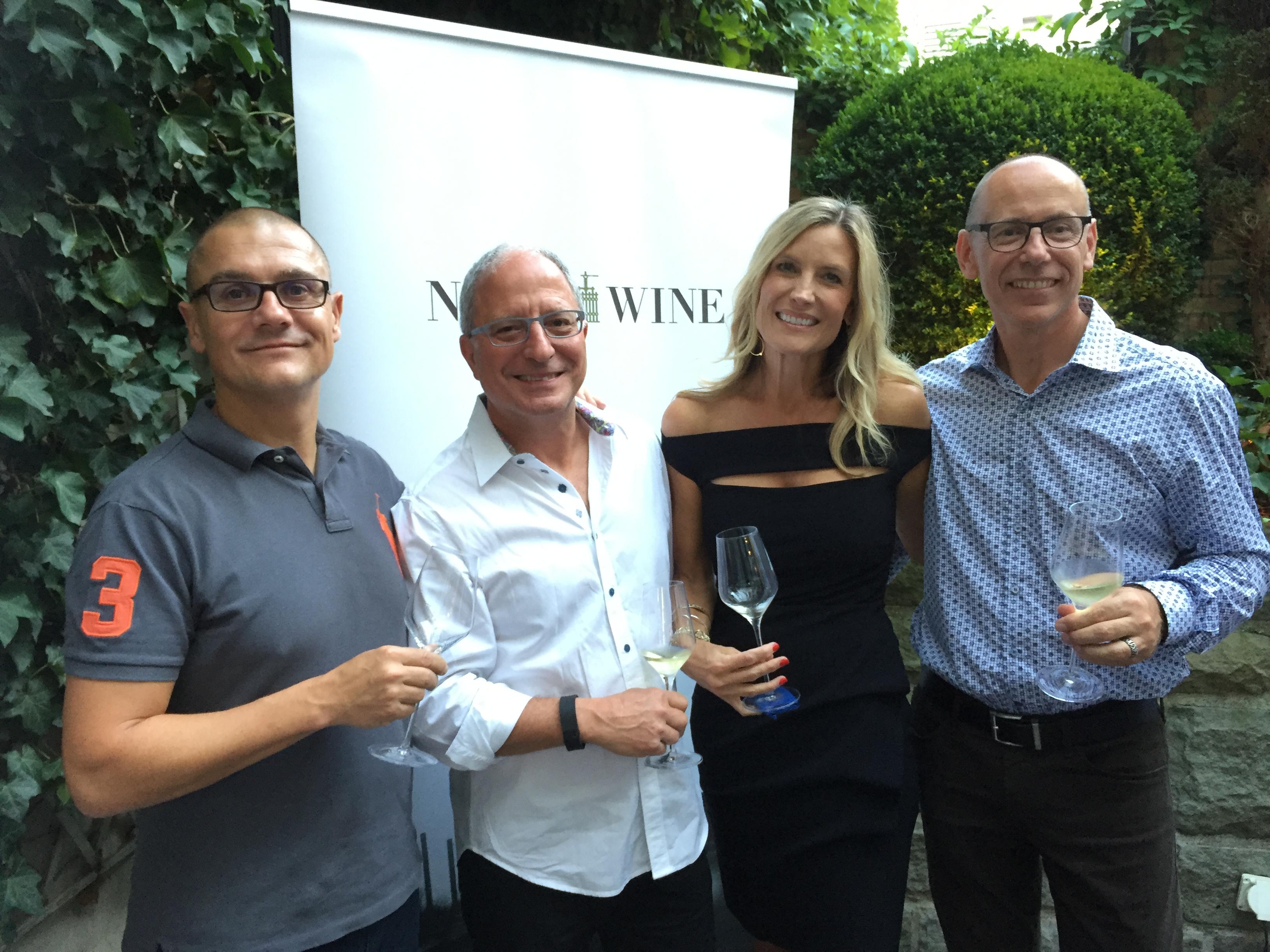 8. Sep 2016 Zürich: v.l.n.r Gregor Greber (Napawine.ch) Steve und Seanne Contursi (Arrow & Branch), Martin Schneider (Napawine.ch)